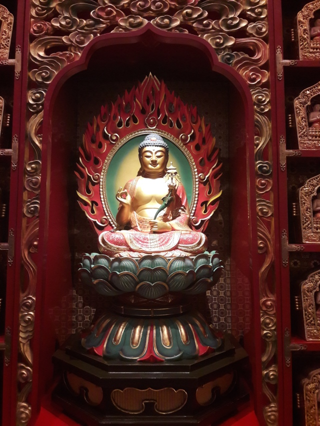 buddha, buddha tooth relic temple singapore,