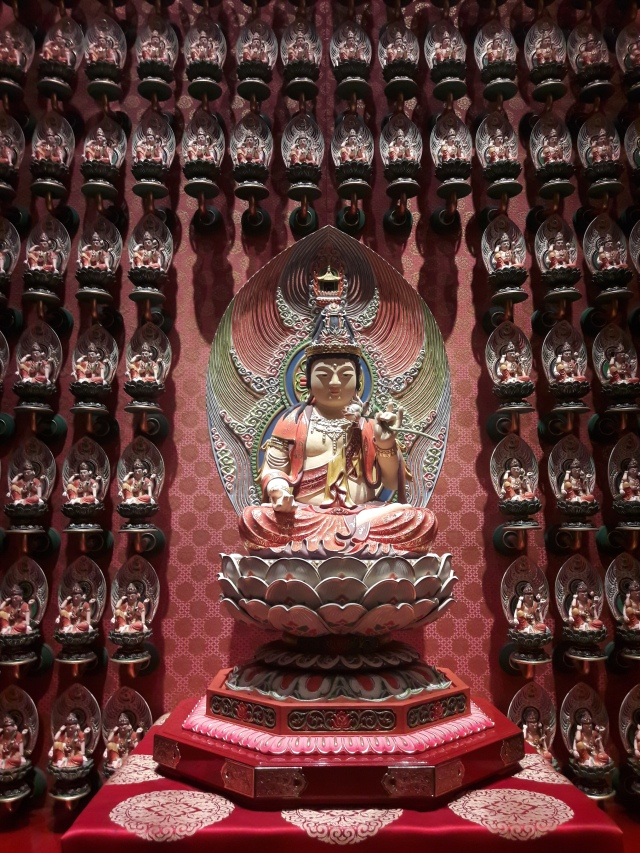 buddha, buddha tooth relic temple singapore, buddhist temple