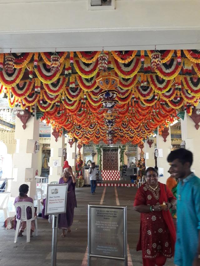 sri mariamman temple singapore, hindu temple, singapore, travel blog, cabin crew blog, flight attendant blog